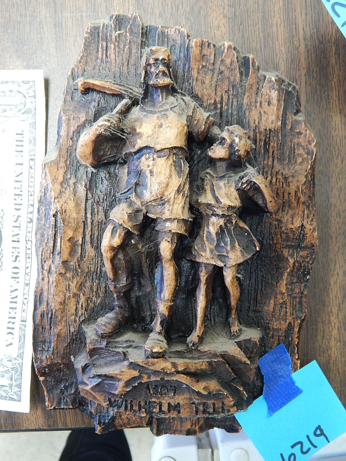 BD6219- Wooden Carved Wilhelm Tell Vintage Wall Hanging 7.5x5