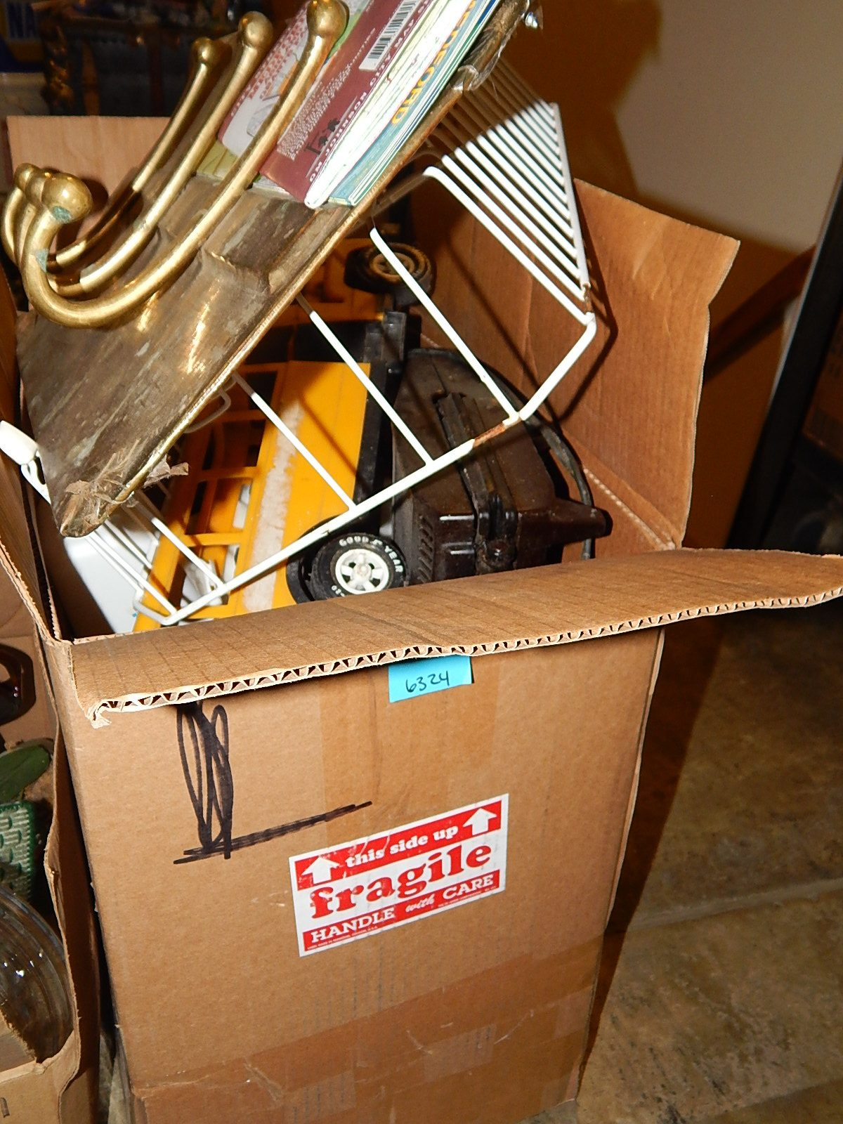 L6324- Box Full With School Bus, Towel Hook And More