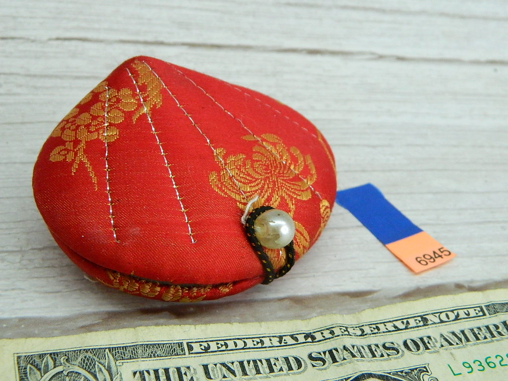AA6945- Vintage Oriental Themed Small Fabric Made Clam Shaped Sewing Kit Box or Jewelry Container '2.5x3.5in'