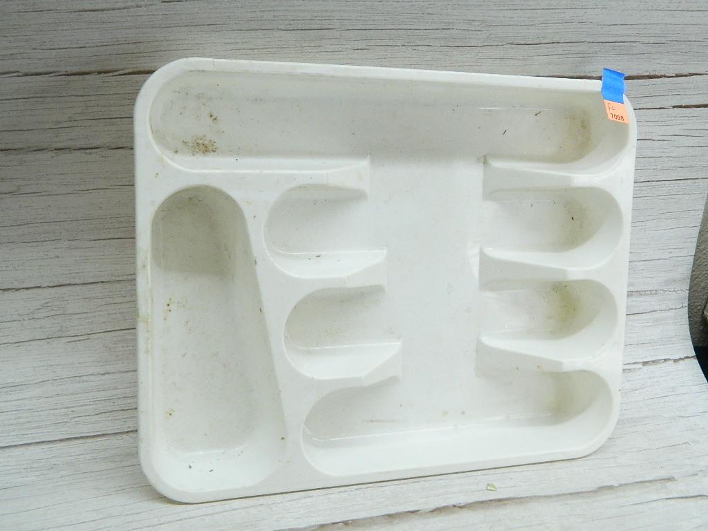FL7098- Heavy Duty White Plastic Silverware Organizer