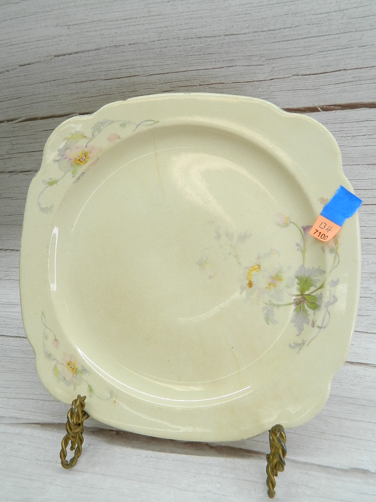 BH7100- Very Old Marked REGINA P.C.P. COMPANY D35 Ceramic Made Floral Themed Decorative Plate '10x10in' Minor Chipping on Back