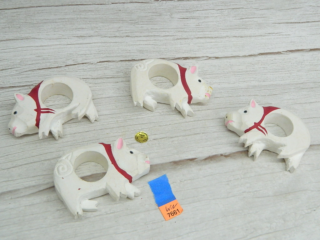 WN7661- Set of 4 Made in Philippines Hand Carved Painted Pig Napkin Rings