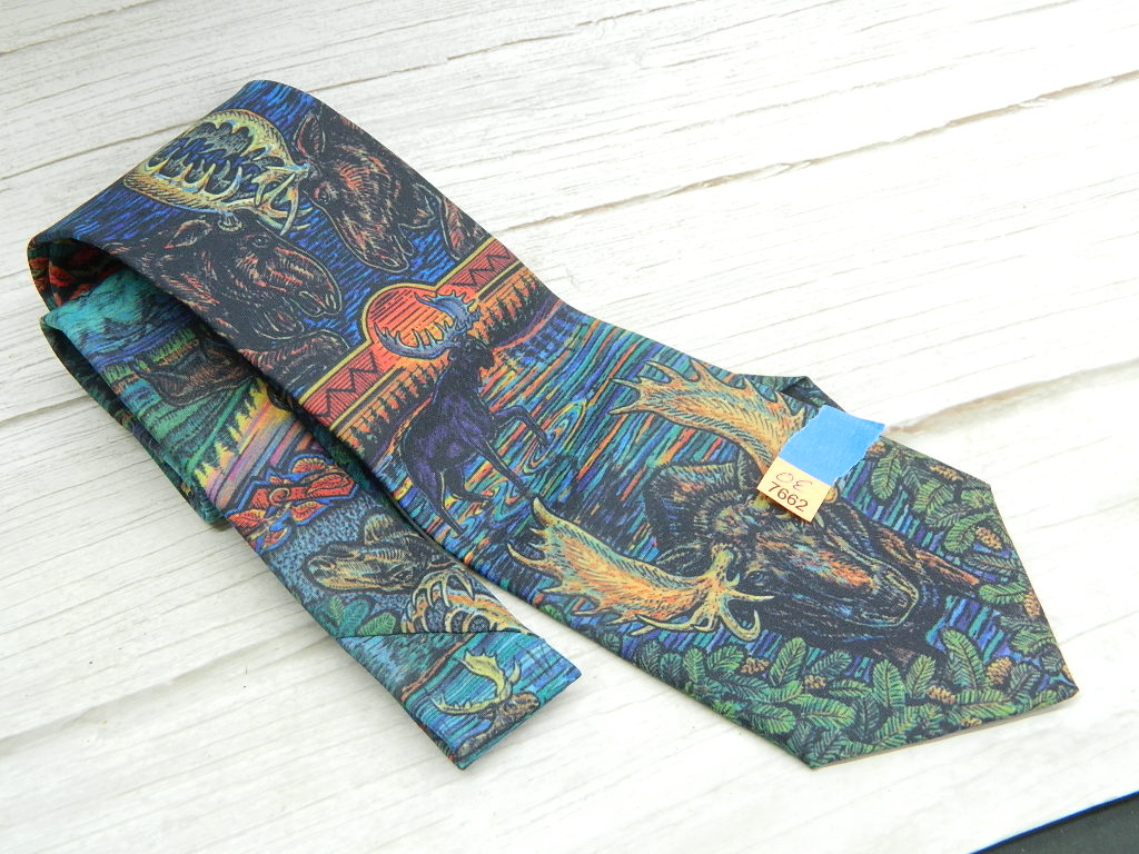 OE7662- MEN'S Vintage 1999 'Native Moose' Themed Dress Tie