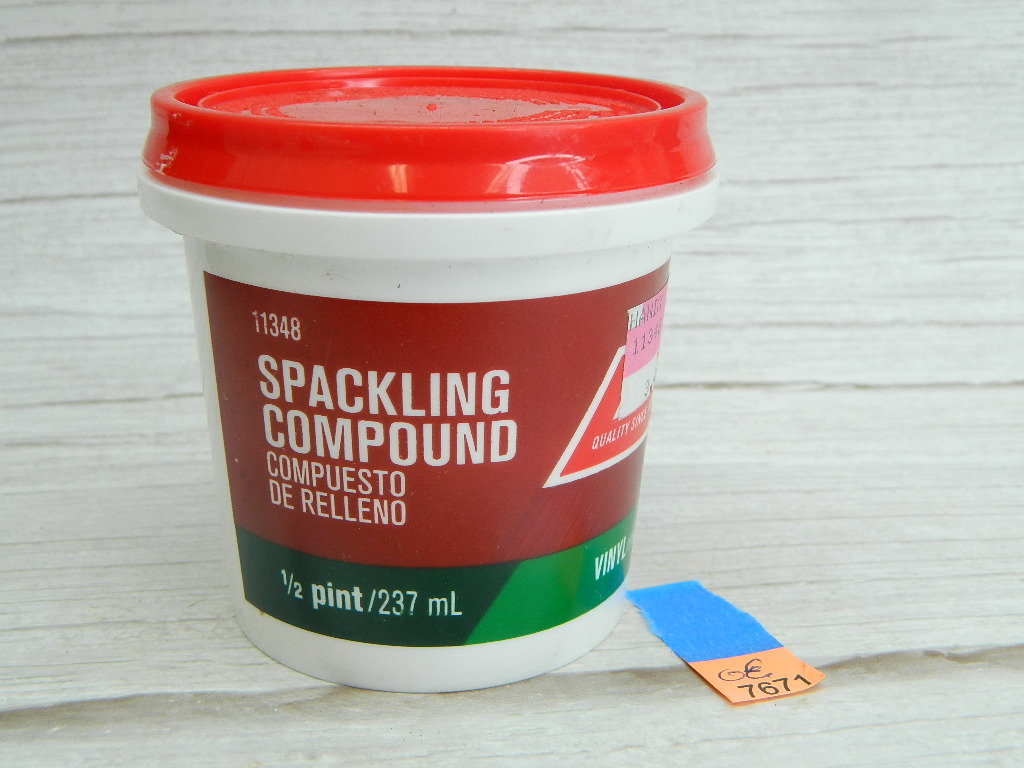 OE7671- NEW 1/2 Pint Spackling Compound Vinyl