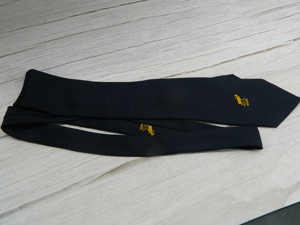 OE7725- Vintage Men's MOOSE GIFTSHOP Navy Blue Moose Themed Dress Tie