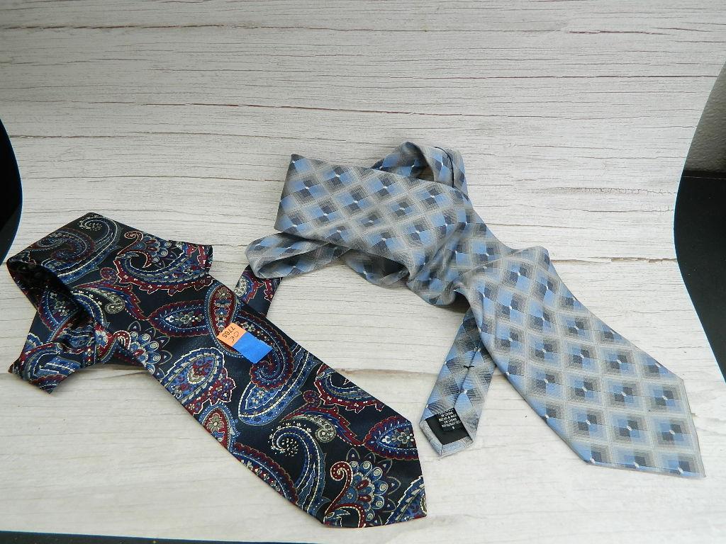 OE7765- Pair of MEN's Paisley and Geometric Design Silk Made Dress Ties