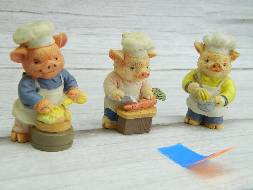 WN7795- Set of 3 Resin Made Small Adorable Chef Themed Magnetic Pig Figurines '2in Tall'