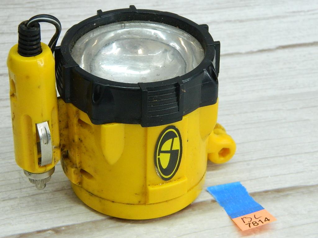 BL7814- Working 12 Volt Yellow Car Emergency Flashlight