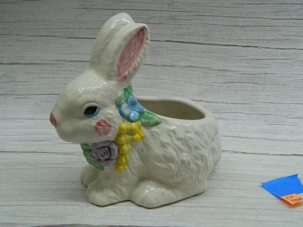 OE7898- Ceramic Made Adorable Spring Easter Bunny Shaped Decorative Flower Pot Small Chip on Ear '6.5x6in