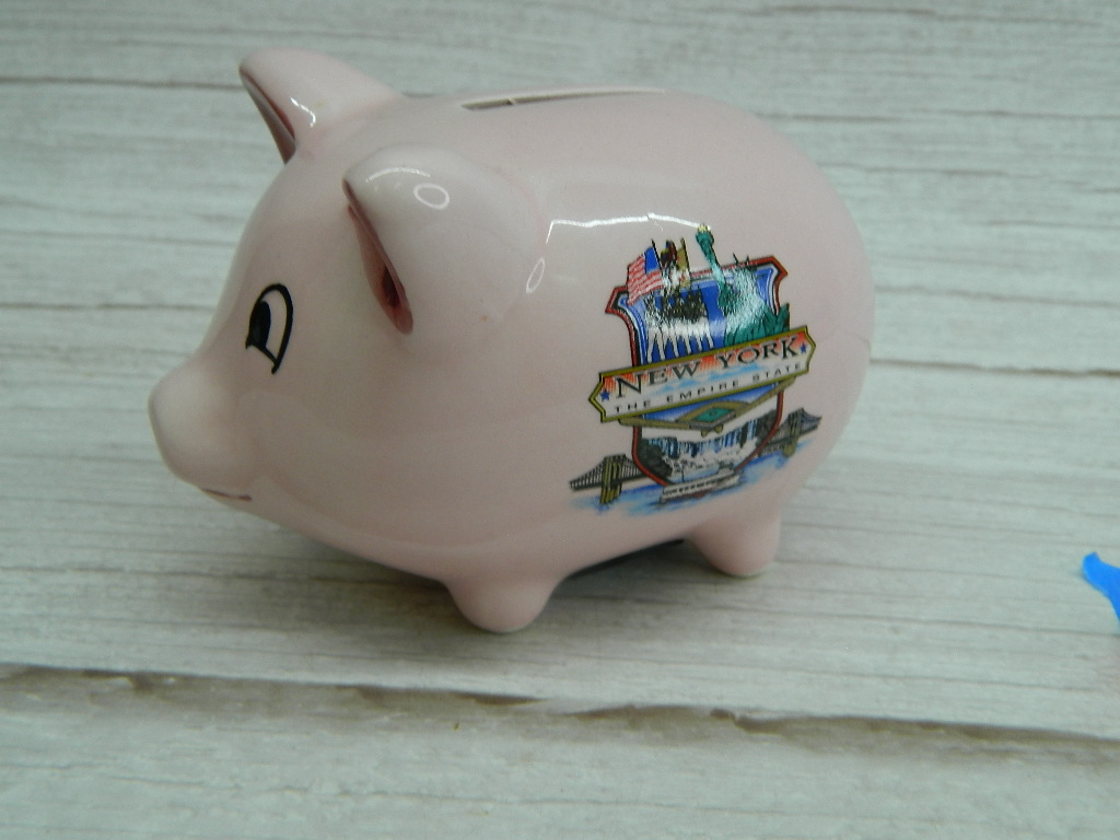 WN7911- Cute Ceramic Painted NEW YORK Souvenir Small Piggy Bank w/ Stopper '3x4in'