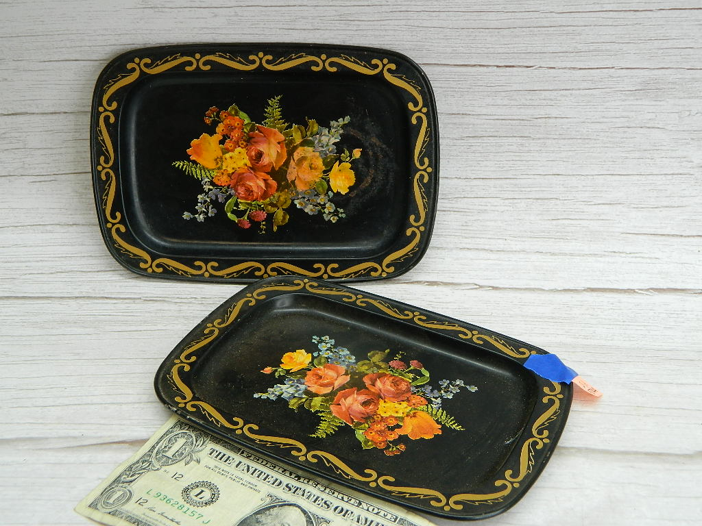BH6744- Pair of Vintage Beautiful Tin Metal Made Rose Themed Painted Small Tip Trays 5x7.25 In