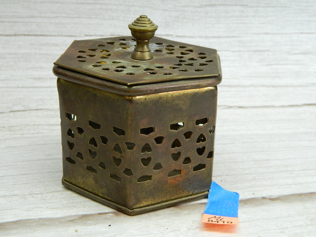 ML8419- Pretty Vintage Copper Made Hexagon Shaped Heart Themed Trinket Box '2.5x3x3.25in'