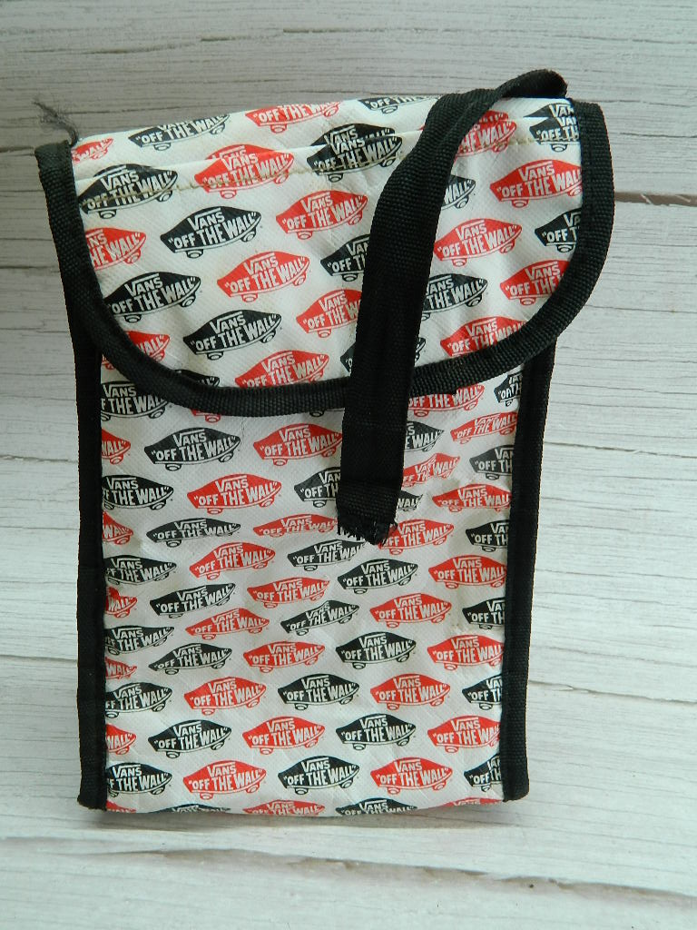 OE8467- Plastic VANS 'Off the Wall' Insulated Lunch Bag '10x6.5x4.25in' Carrying Strap Broken Needs Cleaned