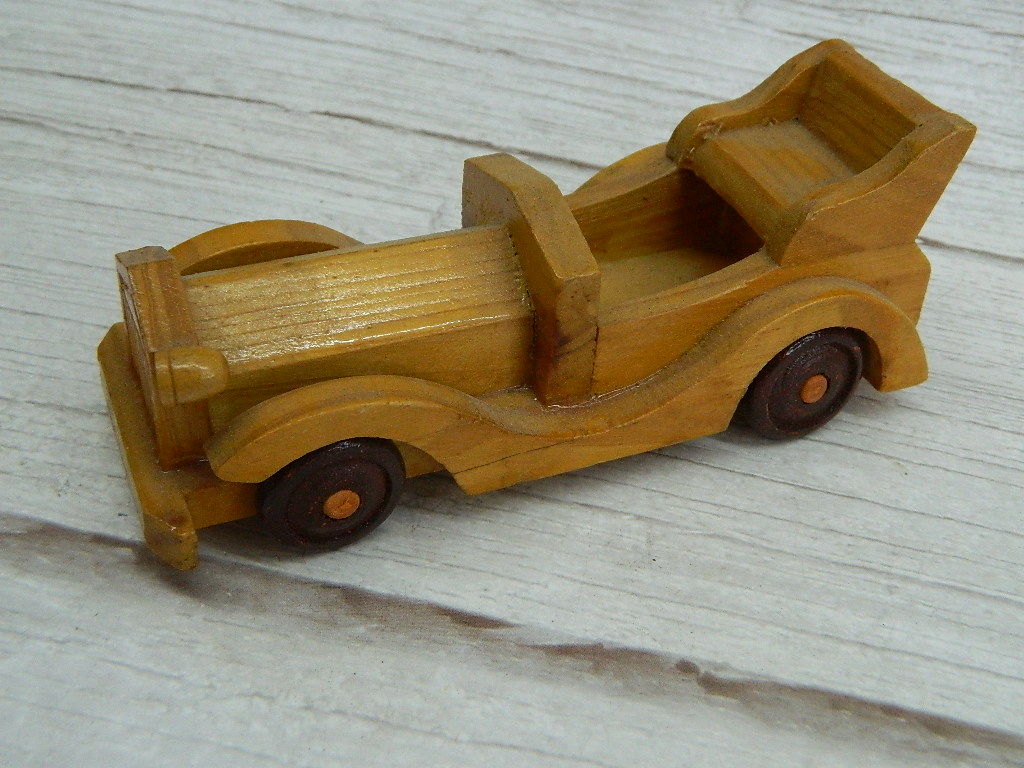 ML8499- Vintage Wooden Made Car Figurine Missing Headlight '1.5x2x5in'