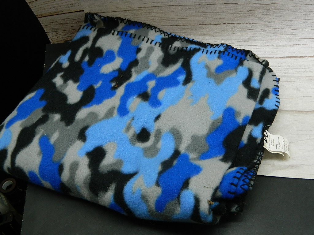 BL8508- Very Soft MAINSTAYS Blue, Grey, and Black Camo Styled Throw Blanket