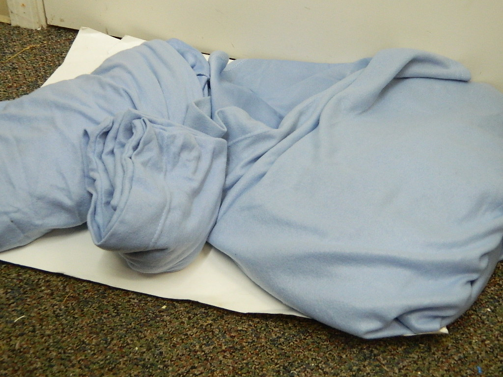 OE8521- Blue Twin Set of Polyester Sheets w/ Pillow Case Fitted Sheet Drop is 9in Deep