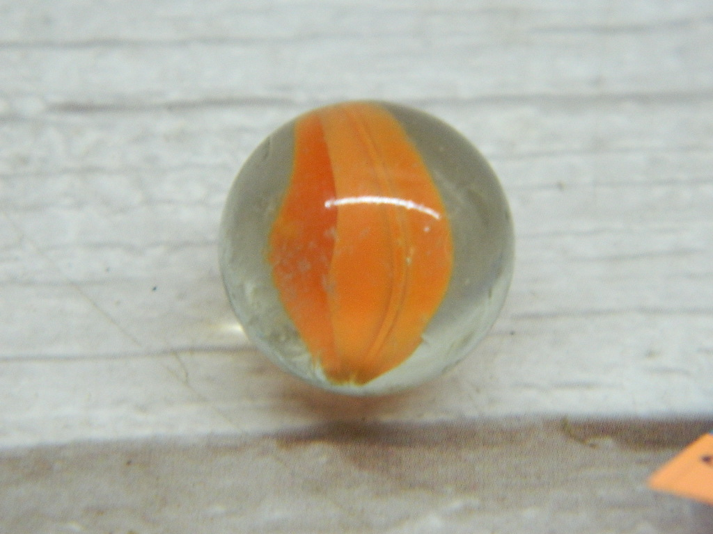 CA8532- Vintage Collectible 'Clear and Orange' Cat's Eye Glass Marble