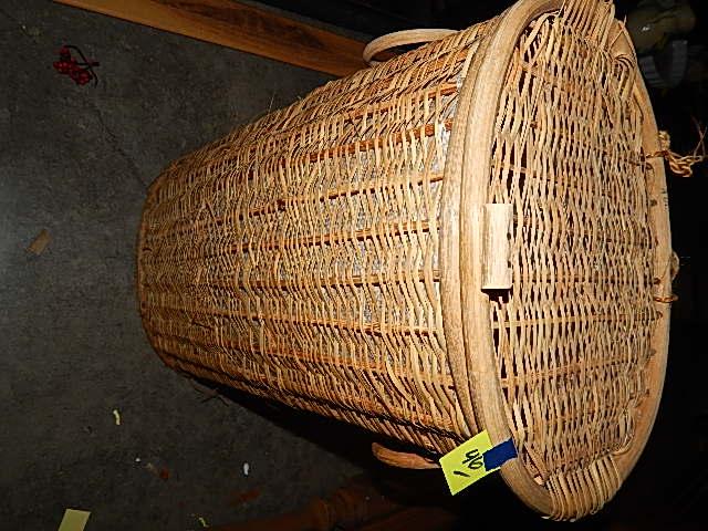 46-Wicker Laundry Basket w/ Handles