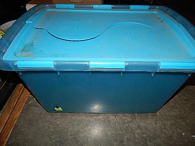 127-Sterilite Large Box w/ Interlocking Hinged Lid