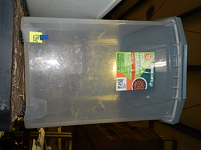 136-25 lbs Pet Food Storage Container